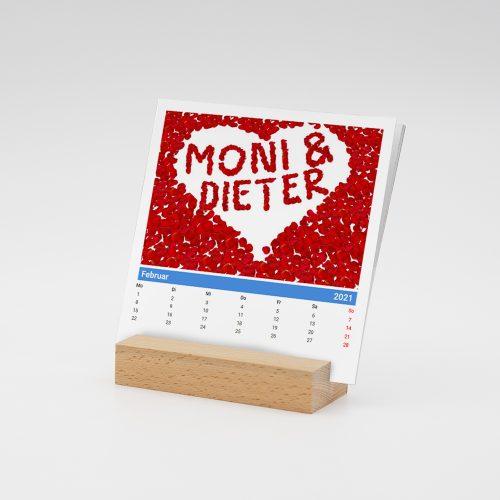 Namenskalender mit Holzfuß für Paare