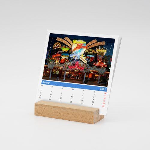 Namenskalender mit Holzfuss und Stadt-Motiven